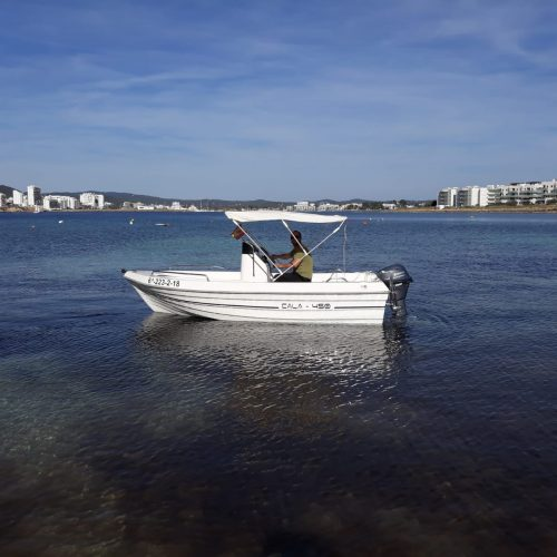 BOAT RENTAL NO LICENSE REQUIRED morning from 10.30 till 15.00